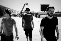 Клип Don't You Worry Child - финальный аккорд Swedish House Mafia